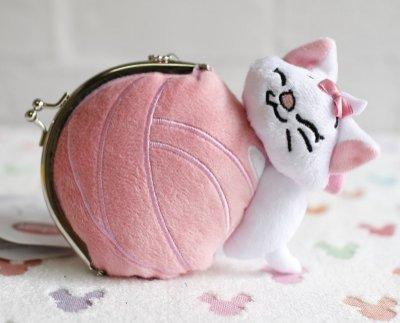 【Dona日貨】日本迪士尼store限定 超萌瑪莉貓玩毛線球 珠扣零錢包/包包掛飾/手機吊飾 C29