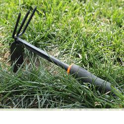 [協貿國際]花園工具黑膠小工具鋤頭 膠柄兩用鋤除草鋤頭松土耙子單個價