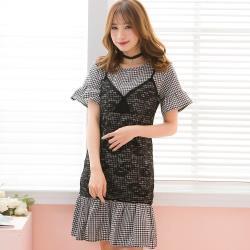 大尺碼-蕾絲拼接格紋假兩件荷葉邊短袖洋裝(黑白格)lingling