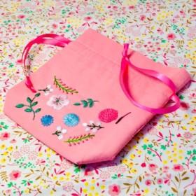 刺繍 お花の 巾着 ポーチ <ピンク>
