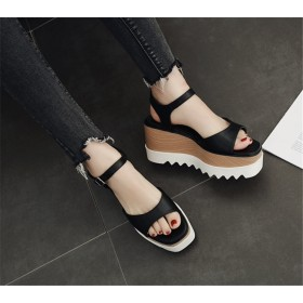 『送料無料』 個性的なデザイン 韓国ファッション 全2色 ウエッジソールサンダル ミュール 厚底 厚底靴 プラットフォーム 英国調