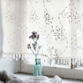 ボイルカフェカーテン(淡く金色に光るトルコ刺繍) 幅60cm×丈50cm|9328-396121