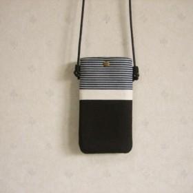モノトーンの iPhoneポシェット スマホポシェット
