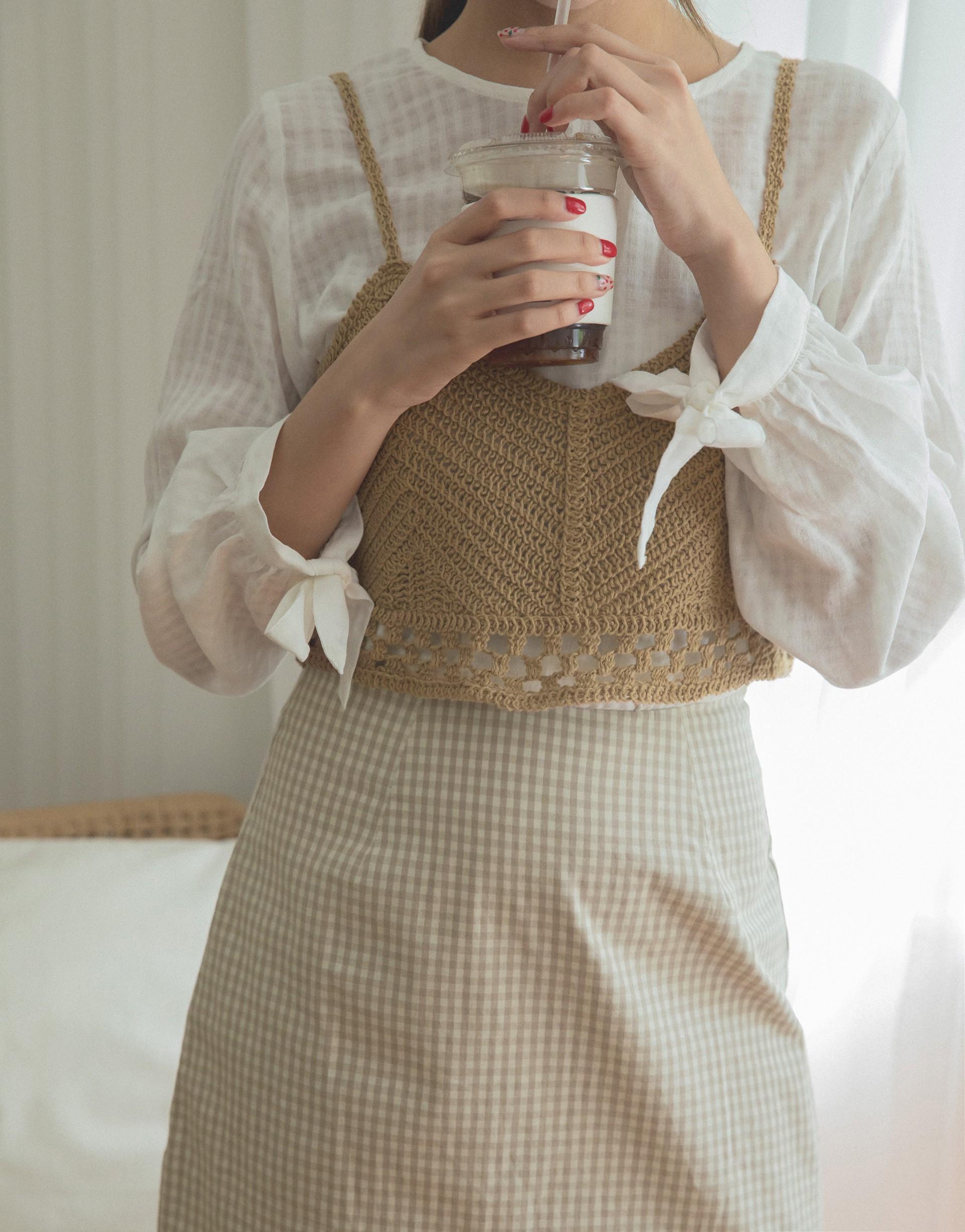 PAZZO+粗針織細肩帶短版小可愛罩衫