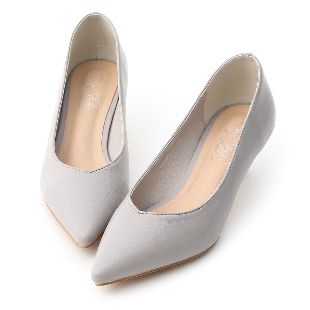 D+AF 典雅春氛 素面尖頭小V口中跟鞋  灰