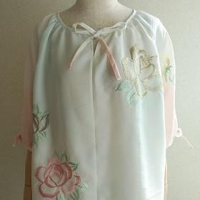 着物リメイク白刺繍入りチュニックブラウス