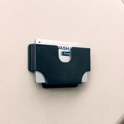 ◎可安裝在微彎的表面上|◎安裝簡易不費時、費力|◎可以放置卡片、門票等商品名稱:YAC卡片票券收納盒(ZE-22)品牌:YAC種類:便利小物尺寸:5.7x10x1cm材質:軟性材質產地:中國