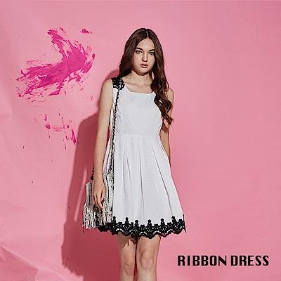 Ribbon 精緻浮水印花拼接3D蕾絲雕花造型禮服洋裝-白(共2色)