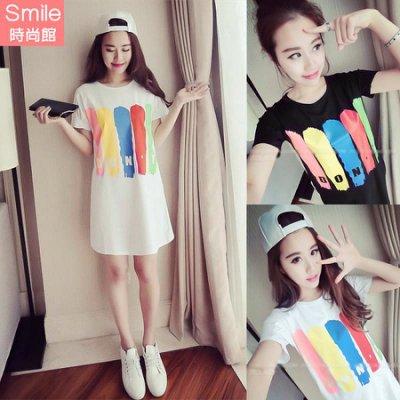 【V2885】SMILE-簡單宣言.色彩字母印花圓領短袖連身裙
