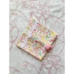 送料無料♪携帯用ボックスティッシュケース ピンクの小さなお花(レースあり)