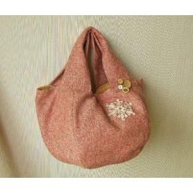 ウールツイードのまん丸バッグ 刺繍