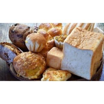 城下町の自然派パン屋さん「かどぱん」バラエティ 9種パンセット