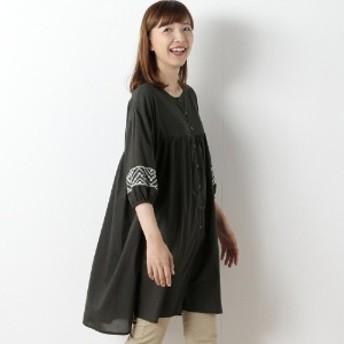 コットン素材の袖刺繍シャツワンピース