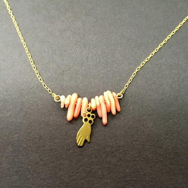 ミラグロとピンク珊瑚のネックレス