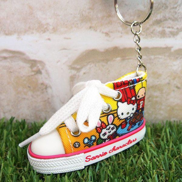 99元免運 凱蒂貓 帆布鞋鑰匙圈 三麗鷗 彩圖款 Kitty Sanrio 日本正版 該該貝比日本精品