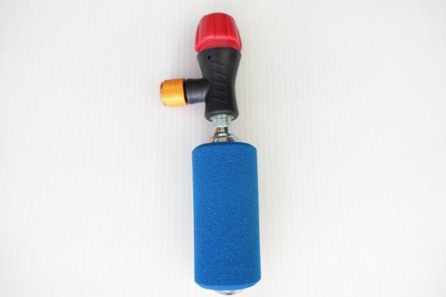 【意生】X-FREE CO2打氣筒 CO2充氣筒,附一支鋼瓶,美法式皆可使用二氧化碳美法雙用快速充氣打氣接頭