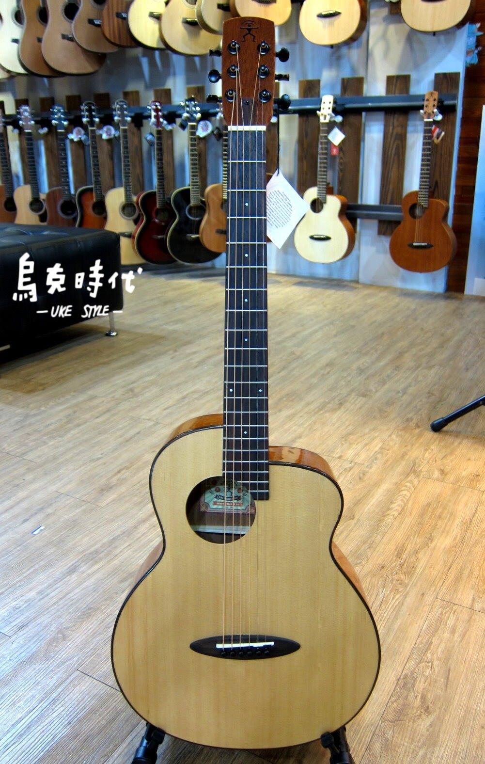 烏克時代~Anuenue鳥吉他M10旅行吉他,CP值最高的面單板旅行吉他