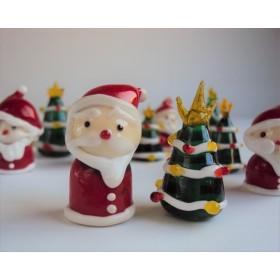 小さなサンタクロースとクリスマスツリーセット