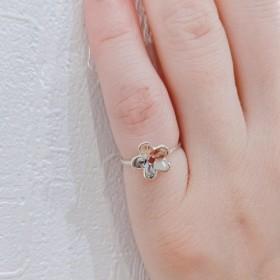 誕生石入り♪ ちょこんと可愛いお花のリング