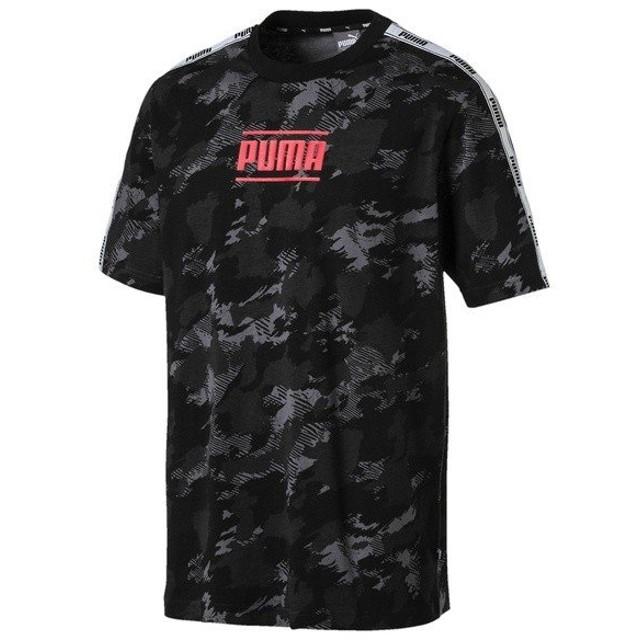 (セール)PUMA(プーマ)メンズスポーツウェア 半袖ベーシックTシャツ CAMO PACK ロゴ AOP Tシャツ 84519001 メンズ アイアン ゲート/AOP