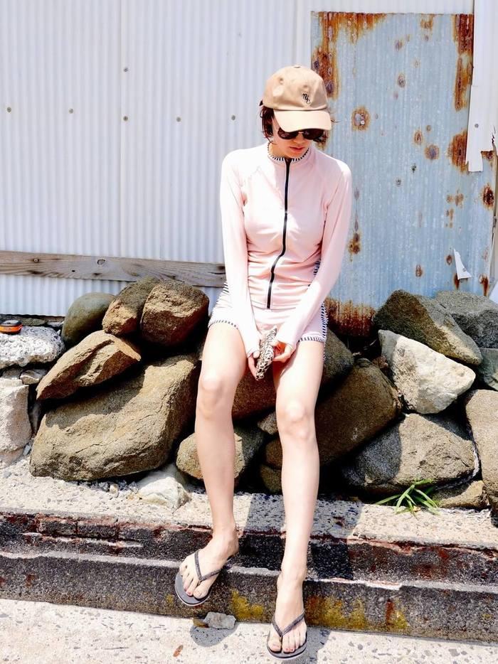 ピンクのカワイイラッシュガード