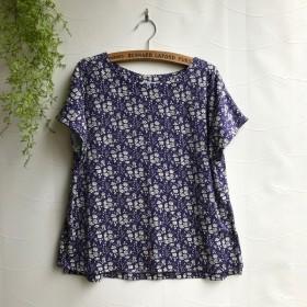 Flora リバティ カペルのフレンチスリーブ Tシャツ