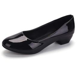 [クロ&アーダー] レディース パンプス ローヒール ビジネス オフィス フォーマル 通勤 女性 用 シューズ 痛くない 社内 靴 ヒール OL 歩きやすい (23.5cm, 艶あり (ブラック 黒 色))