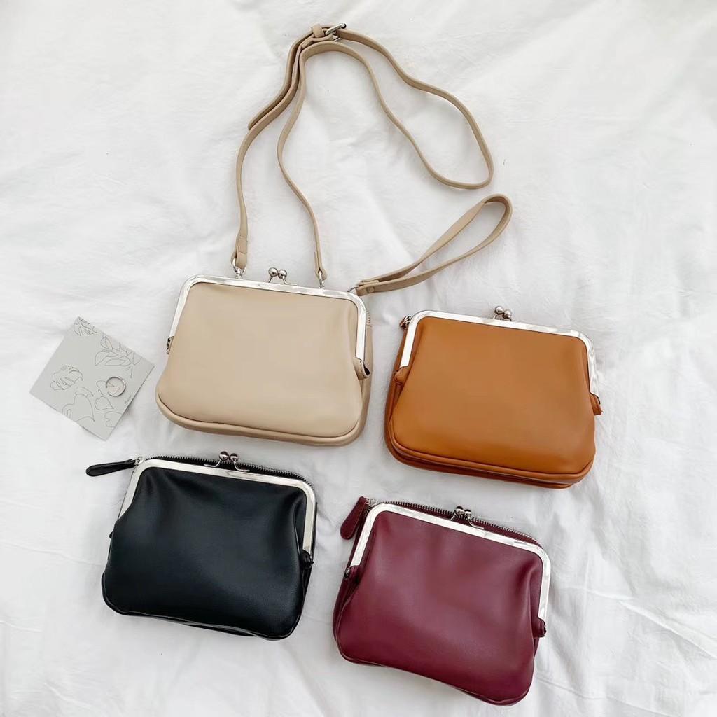 [現貨]GRASS 珠釦夾層皮革包 兩層包 隔層包 珠釦包 皮革包 側背包 肩背包 手拿包 手提包 [GA370]