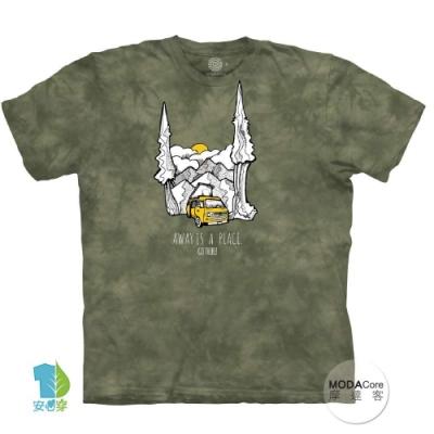 摩達客-美國進口The Mountain 山野露營車 純棉環保中性短袖T恤