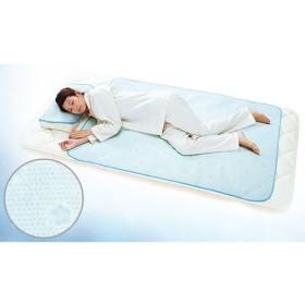 「ダブルクール生地」と「冷感カプセル」のダブル冷感効果で、暑い日でも気持ちのいい眠りへ《日本製 ダブルクール(R)冷感敷パッド》 ライフスタイル 寝具 敷きパッド・除湿シート au WALLET Market