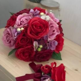 赤バラ×紫のラウンドブーケ☆
