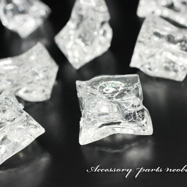 【8個】氷山みたいなクラック変形樹脂ビーズ《SON-1816》