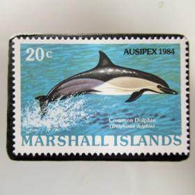 マーシャル島 イルカ切手ブローチ 5333