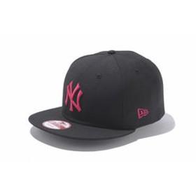【Super Sports XEBIO & mall店:帽子】9FIFTY ニューヨーク・ヤンキース キャップ ブラック×ストロベリー 11308472