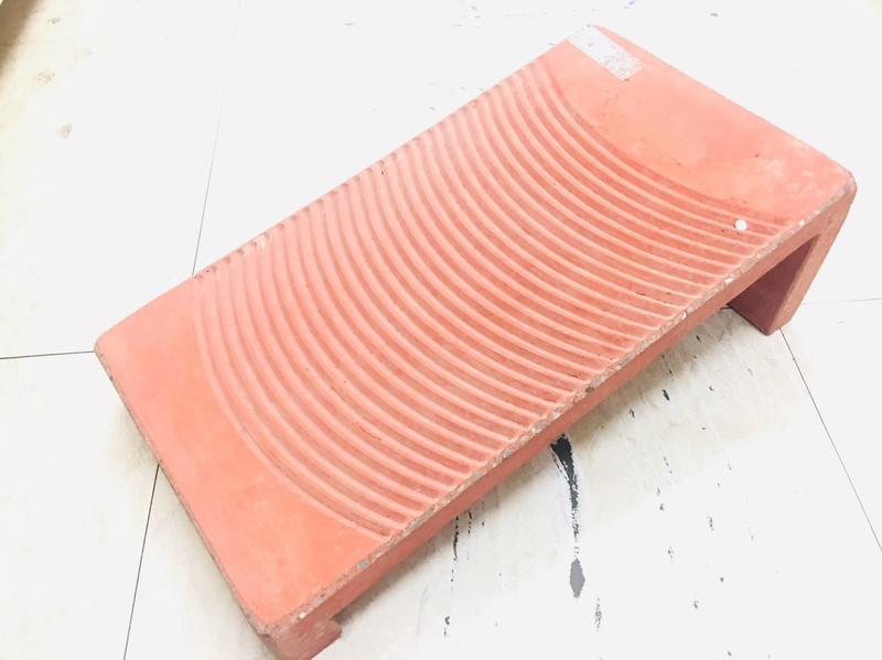 【八八八】e網購~【水泥洗衣板(紅) 尺寸約45X24.5X13.6公分】洗衣板 清潔用品 衣物清洗用品