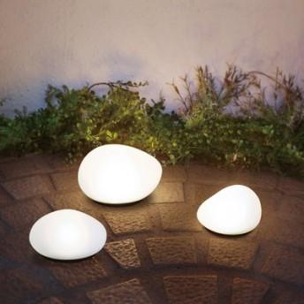 自然に溶け込み やさしく足もとを照らす LEDソーラーストーン〈Sサイズ〉 フェリシモ FELISSIMO【送料:450円+税】