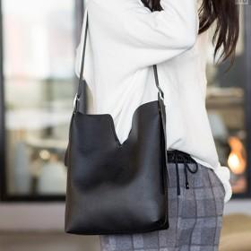 ハンドバッグ - Felt Maglietta 2019新作 こなれた雰囲気になれるA4サイズもしっかり入る♪ポーチ付ハンドバッグ/2way/バッグ/ショルダーバッグ/鞄/バックインバッグ