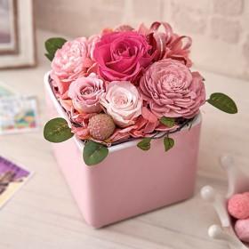 【日比谷花壇】プリザーブド&アーティフィシャルアレンジメント「フラワーキューブ・ピンク」ラッピング付き