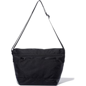 ショルダーバッグ - stylise ニューエラ バッグ ◆ ショルダーバッグ 9L プリントロゴ ブラック × ホワイト 11783272 メンズ BAG カバン BAG迷彩 旅行 通勤 通学 おしゃれ