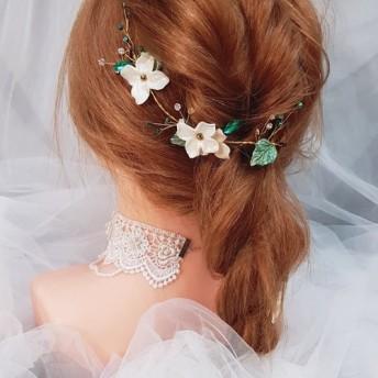 ガーデンスタイルの白い花の手作りブライダルティアラツーピース