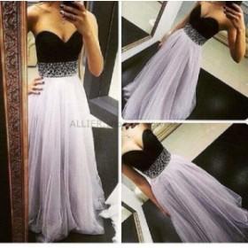 ウェディングドレス ファッションスウィートハート黒と白のビーズのスパンコールプリーツフォーマルウエディングドレスドレス
