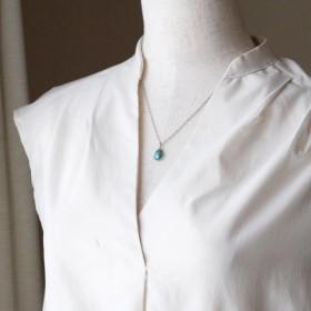秋色ブルー(ターコイズと小さな十字架のシンプルネックレス) n045