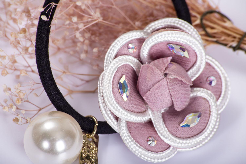 完美女人 復古山茶花珍珠髮束 採用施華洛世奇元素