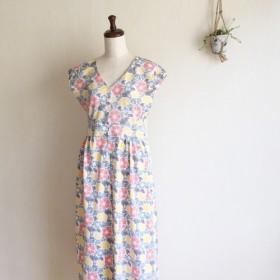 【小さいサイズ】ハイウエスト切替ロングワンピース(夏の花柄)