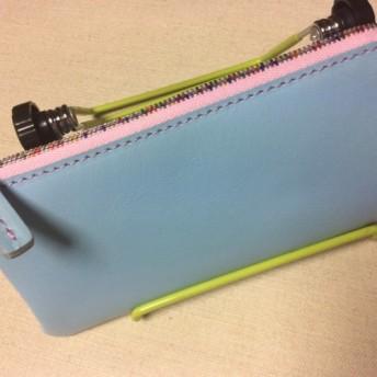 とても爽やかなスカイブルーのLF薄型長財布はいかがでしょうか? スカイブルー