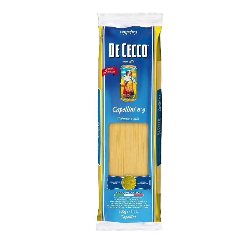 傳統的生產製法: De Cecco 在自有磨坊中研磨杜蘭小麥,和緩磨製以避免破壞珍貴的麩質,保存最佳的純麥風味及芳香。以純淨山泉水將麵糰混和,緩慢揉製,確保麵糰麩質達到最好的延展性。獨特的切割方式:麵