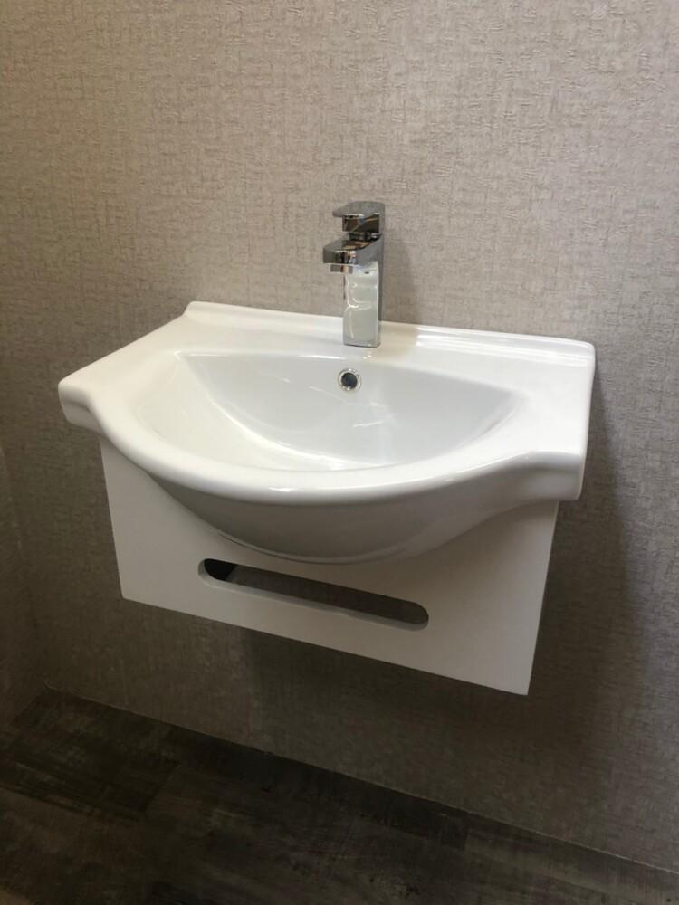 衛浴設備 寬56cm臉盆+短櫃(無收納功能) 下開孔可掛毛巾 附水龍頭及配件