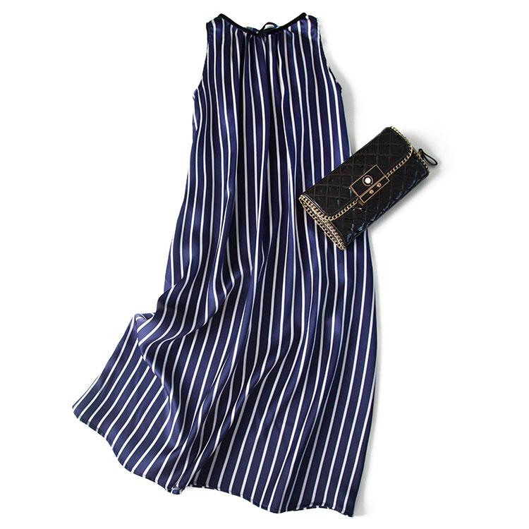 重磅19姆米桑蠶絲綢緞 藏青白豎條一字領背後繫帶寬鬆真絲連衣裙