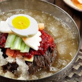 清水 セット(4人前)  スープ付き チョンス 水冷麺 720g (麺560g/濃縮スープ40g×4袋) 韓国産 より安いメール便(壊れる・潰れる可能性