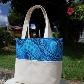肩掛けできるトートバッグ*帆布*ハワイアン*ポリネシアン*ブルー*グラデーション